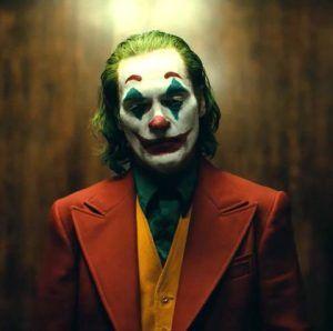 the joker joaquin phoenix 1554298205 300x298 - Joker y la sociedad.