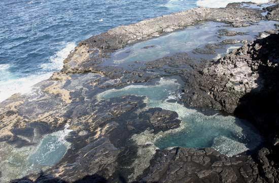 Piscinas naturales de Janubio, Playa Blanca, Lanzarote, senderismo en Lanzarote