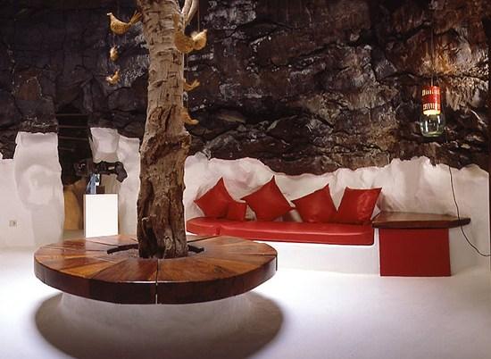 Horarios y tarifas de la Fundación César Manrique en Lanzarote. Qué ver y visitar en Lanzarote. Vistas de las burbujas volcánicas de la Fundación César Manrique