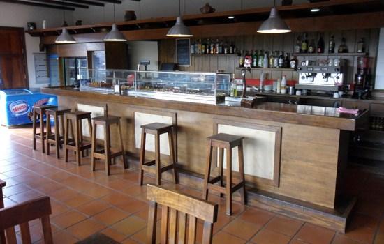 Salón interior de La Cepa, rincón de tapas y vinos de La Geria, Lanzarote