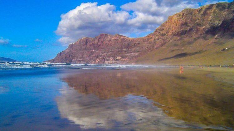 famara beach lanzarote