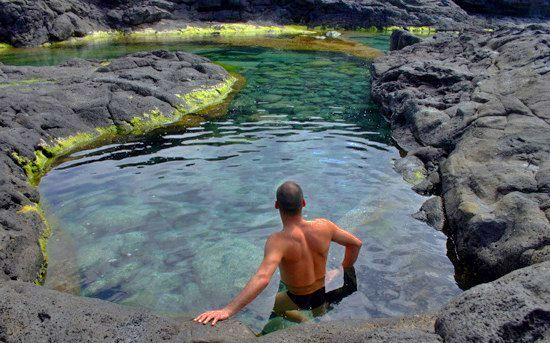 Piscinas naturales de los charcones ocio lanzarote for Plastico para piscinas naturales