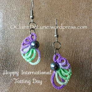 Earrings with overlapping rings