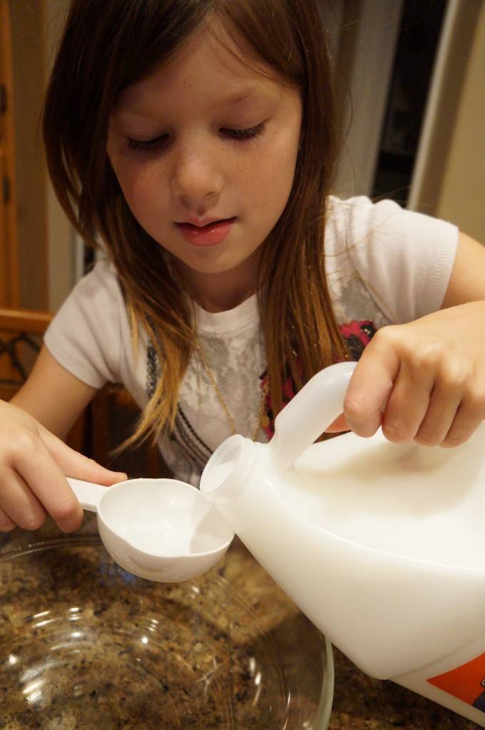 making homemade silly putty