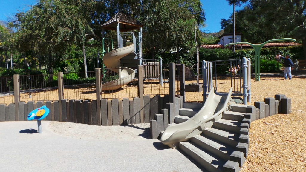 Village Green Park Play Structure