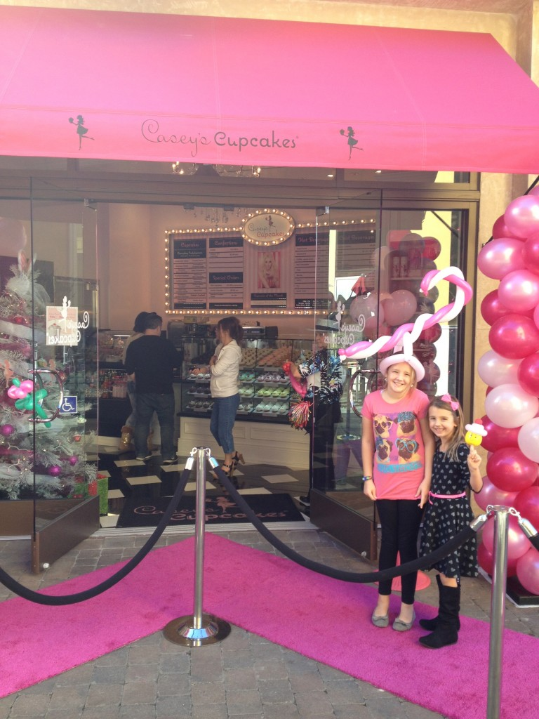 Casey's Cupcakes Opens Huntington Beach Location