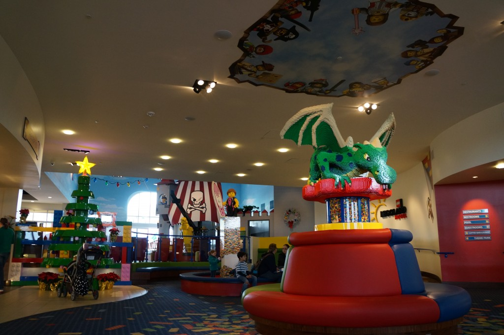 Legoland-hotel-holiday-decorations-10