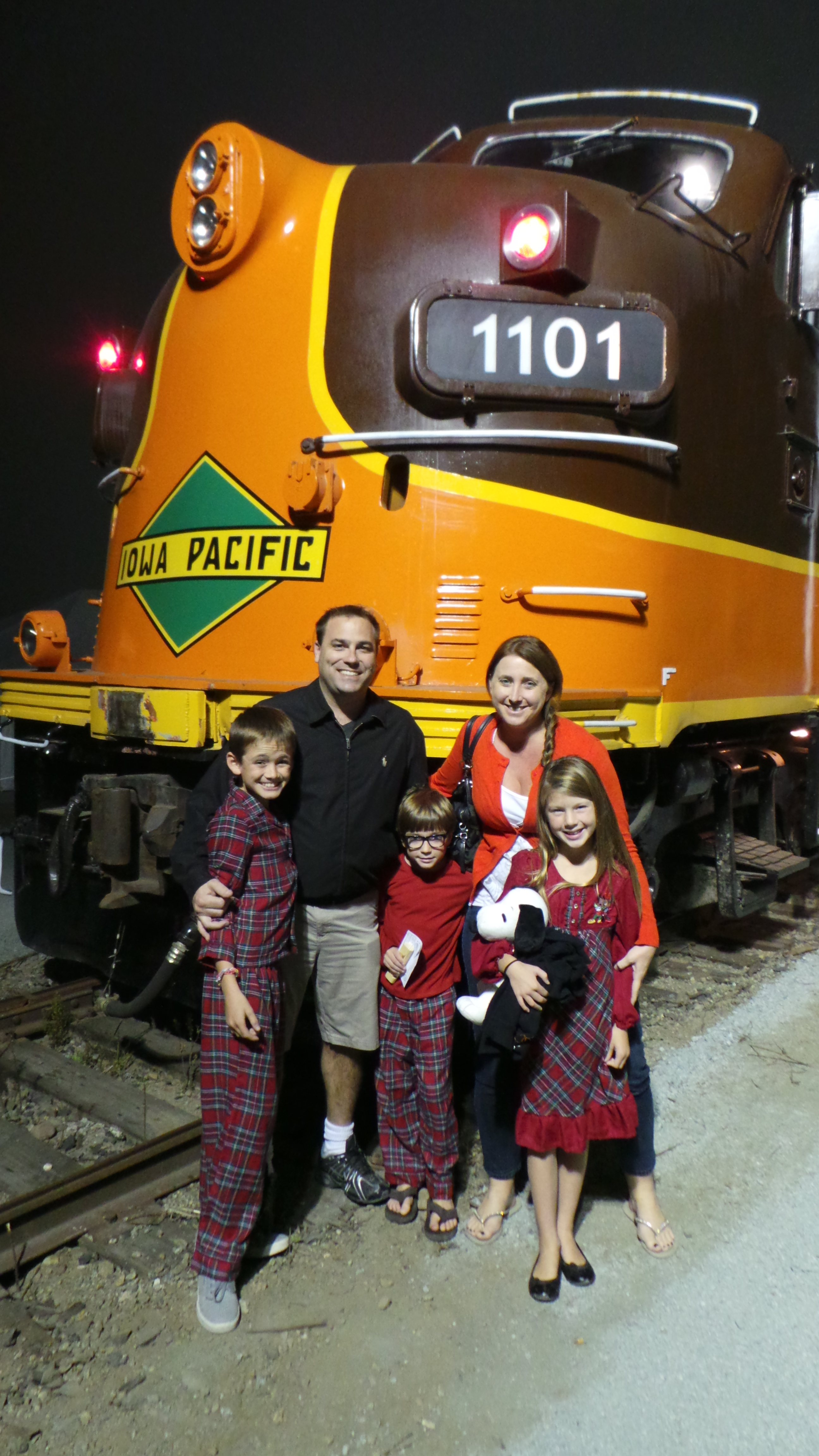 the train to christmas town 14