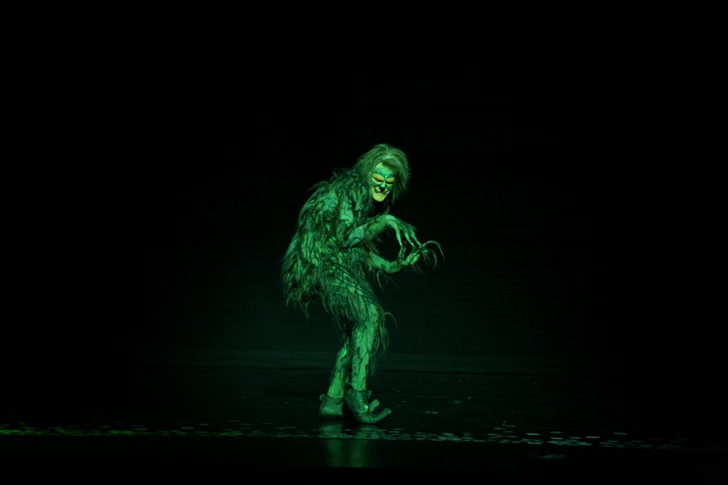 Segerstrom Center - Stefan Karl as The Grinch - Photo by PaparazziByAppointment.com
