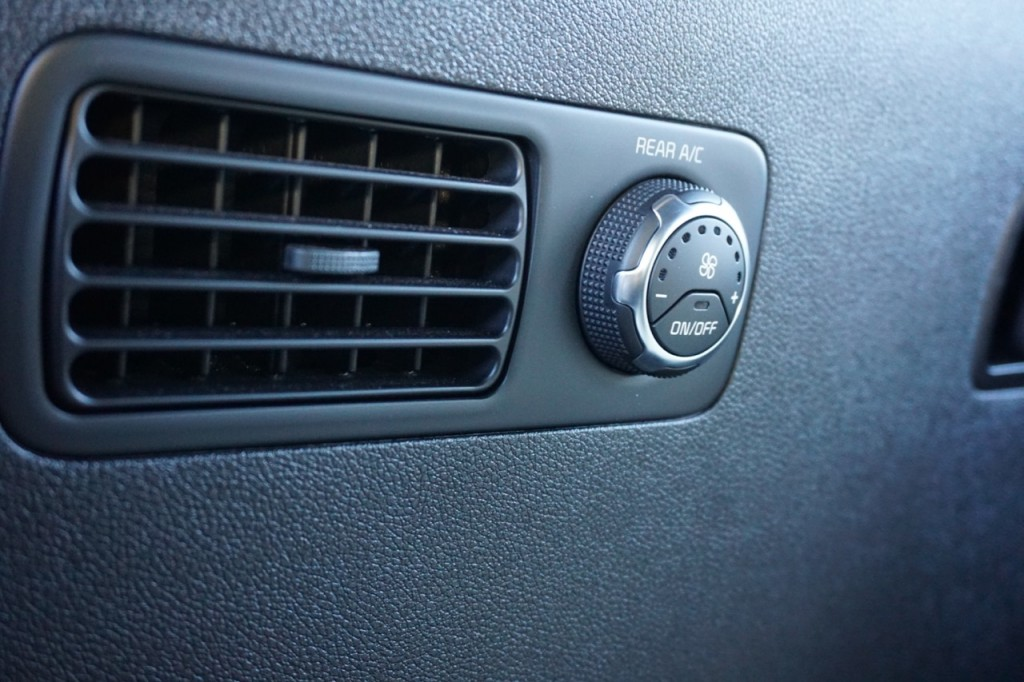 Third row temperature gauge