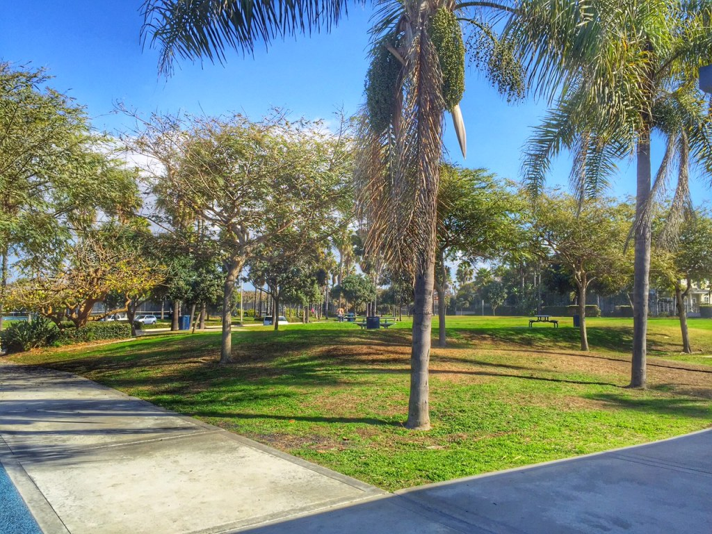 Huntington Beach Park with tables and shade