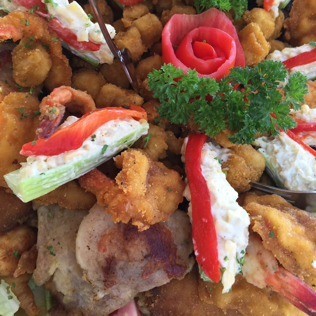 Fresh seafood at Bismarkcito in La Paz