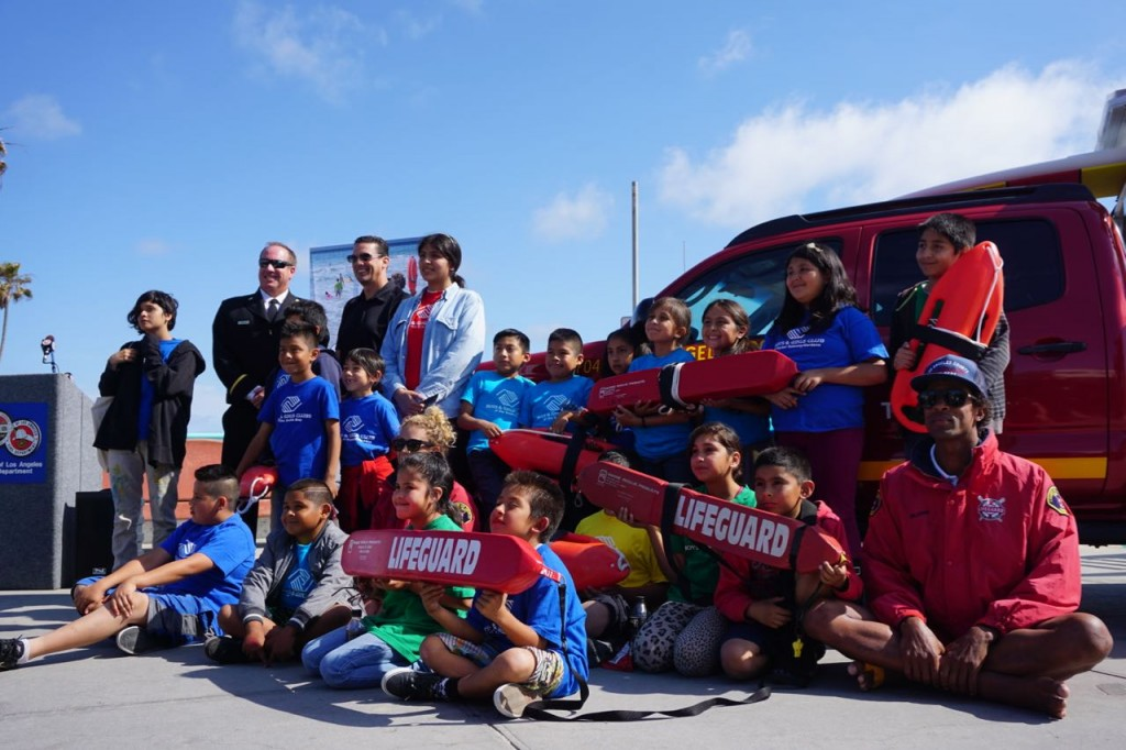 Children learning from LA Lifeguards