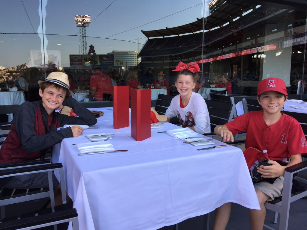 Kids eating at the Diamond Club