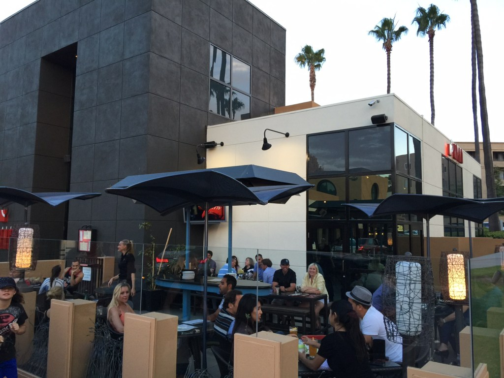 patio dining at cafe japengo