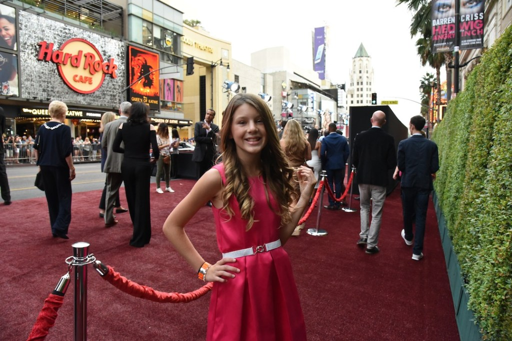 ella-walking-the-red-carpet
