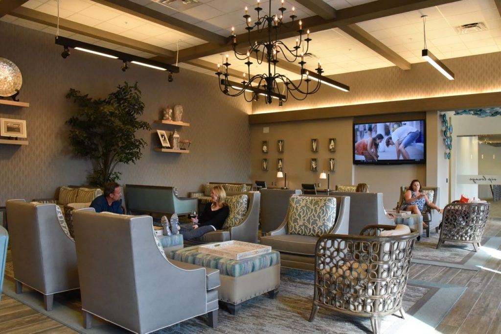 inside-the-outlets-at-san-clemente-vip-lounge