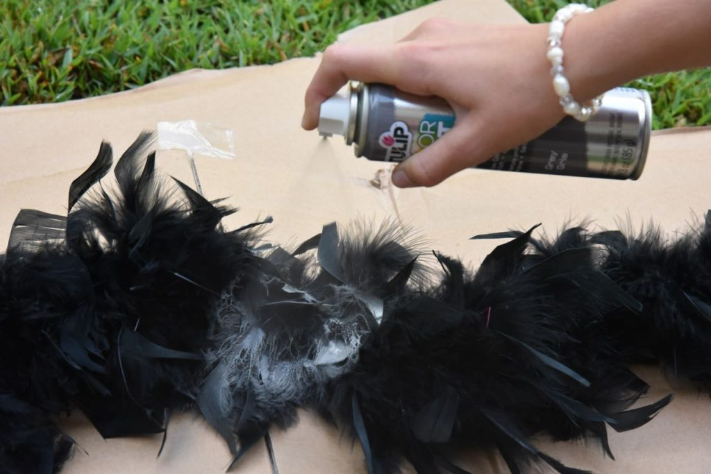 spray-painting-a-boa-to-make-a-racoon-tail