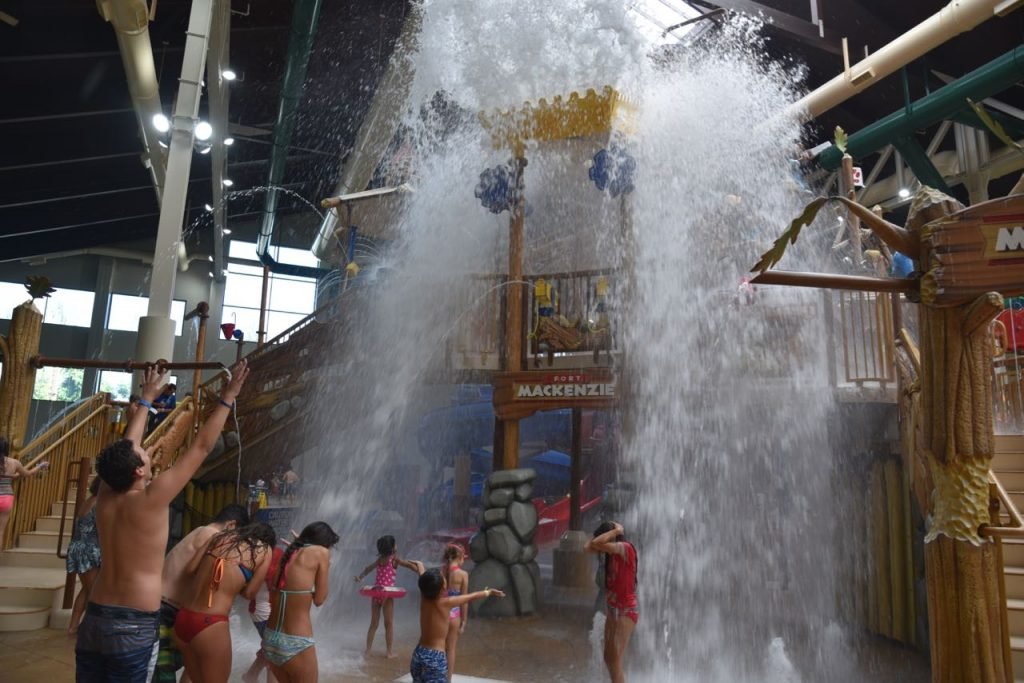 water-splashing-at-great-wolf-lodge