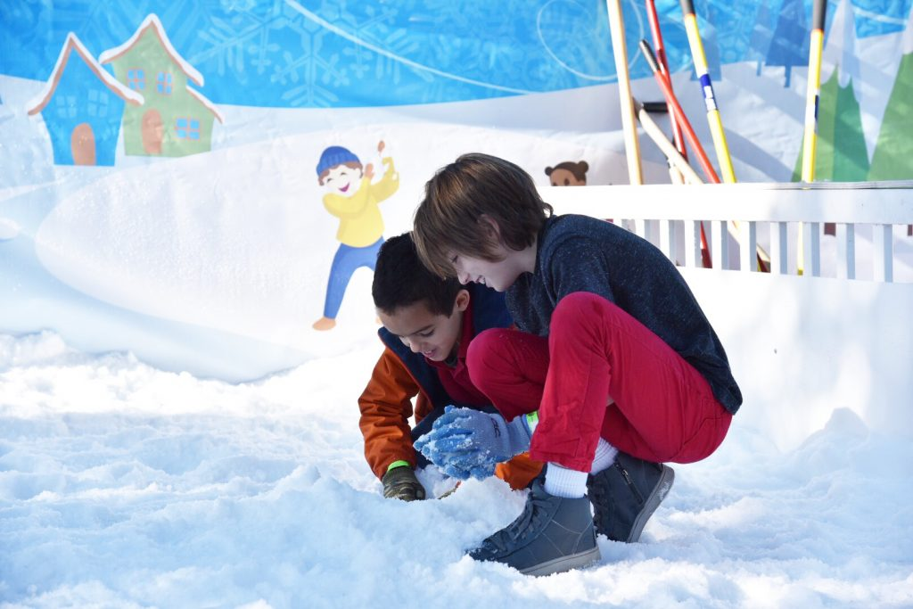 Creating Memories at Winter Wonderfest at Discovery Cube OC #DCOCwinter