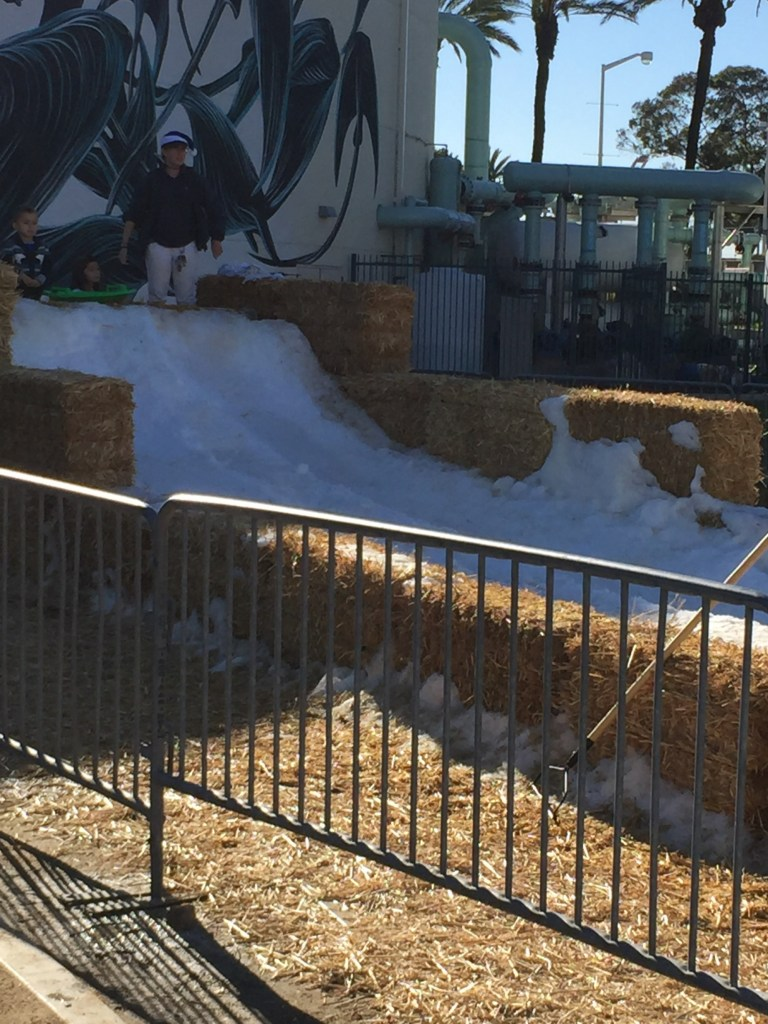Snow Play Fun at The Aquarium of the Pacific