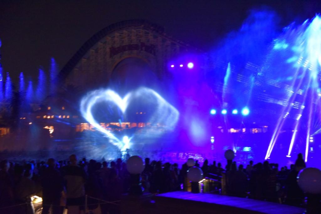 Water shaped heart in World of Color – Season of Light