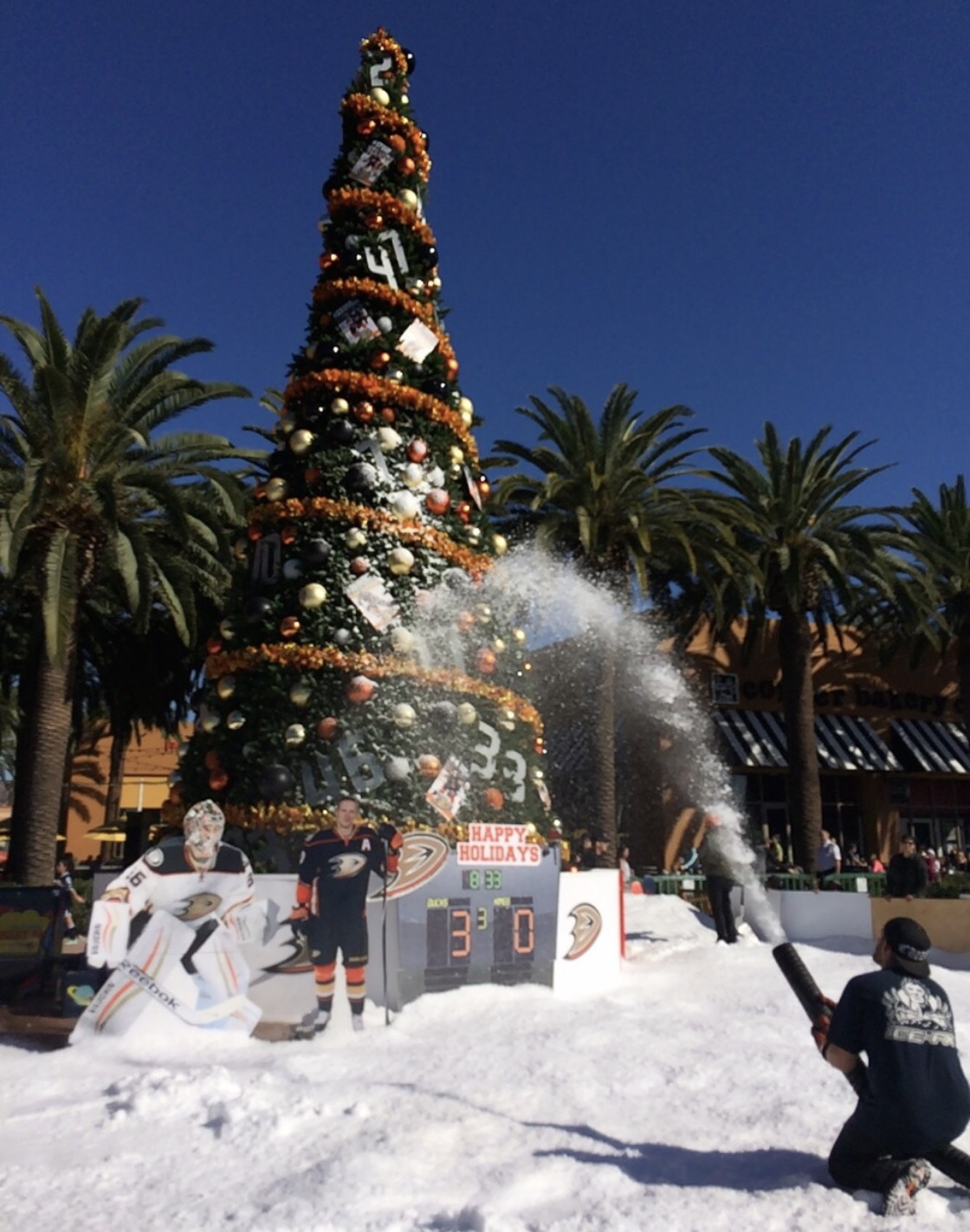 The Forecast On Sa Ay Dec 10s For 100 Percent Chance Of Snow At Irvine Spectrum Center Beginning At 6 A M 20 Tons Of Ice Blocks Will Be Shaved