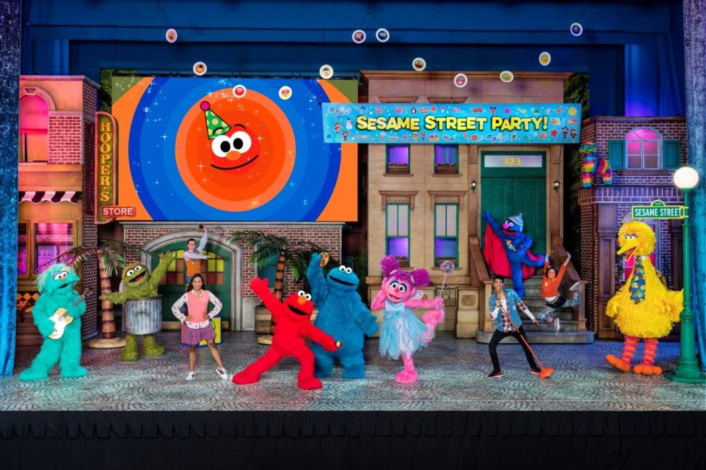 It's a Sesame Street Party at Sesame Street Live! Let's Party!