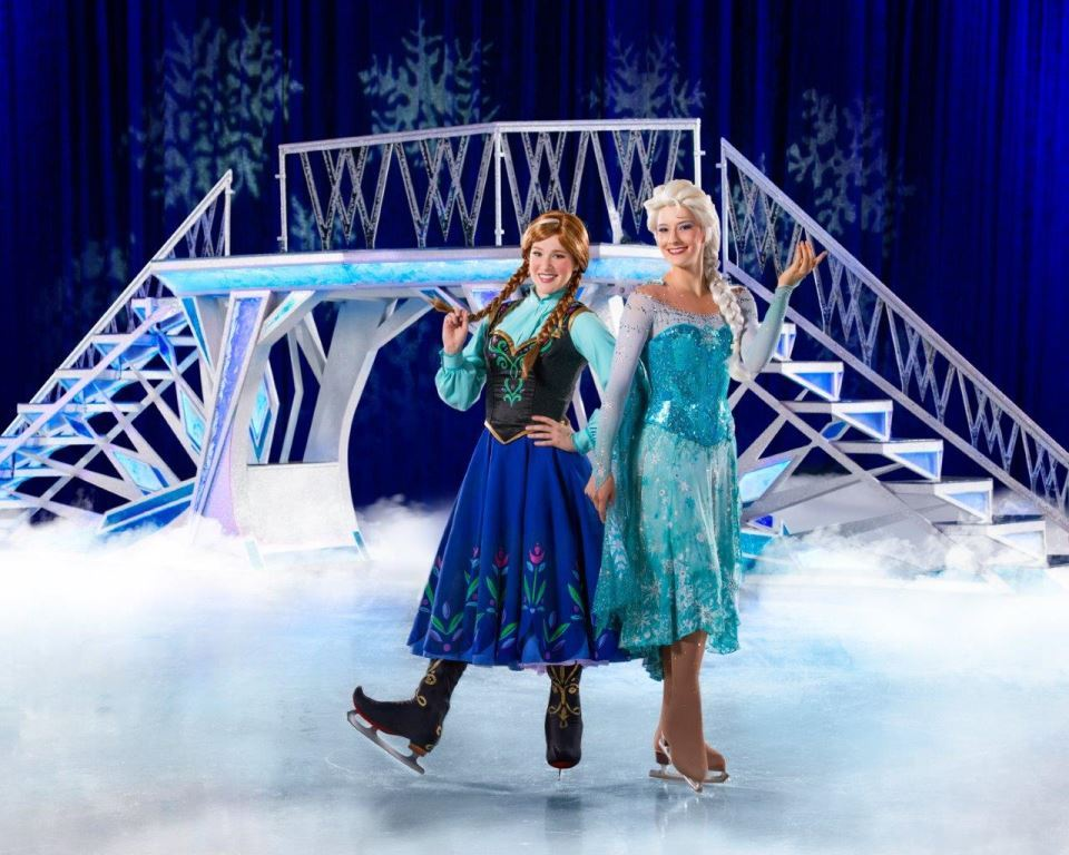 Anna & Elsa in Disney on Ice