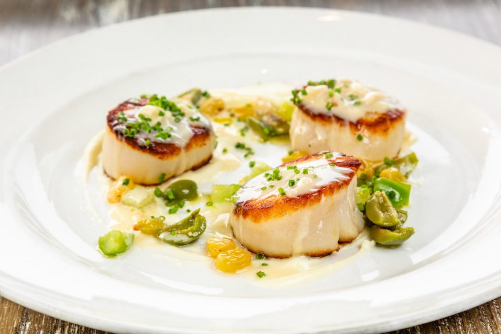 Seared Sea Scallops at Las Brisas