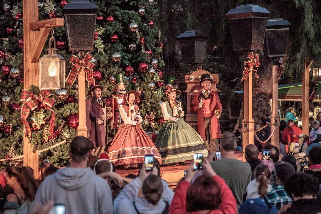 Carolers at Knott's Merry Farm