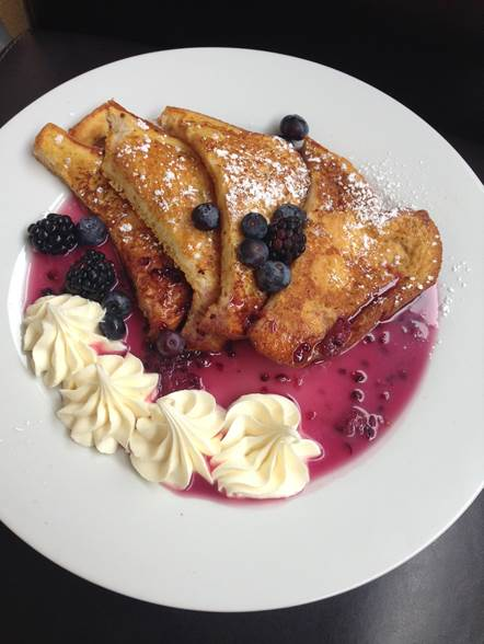 French Toast with caramel-blackberry liqueur sauce and mascarpone. Photo courtesy of PdM