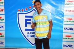 thumbnail_JPFC_Apresentação do elenco_21-01-2017_Jogadores assinam contrados e vestem novas camisas_Foto Chico Limeira (9)