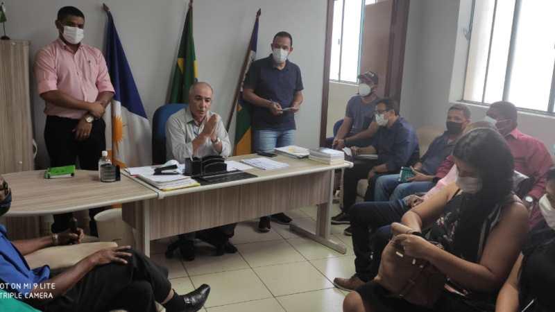 """Em reunião, """"austeridade nas ações"""" é o pedido de José Salomão para secretariado e integrantes do primeiro escalão"""