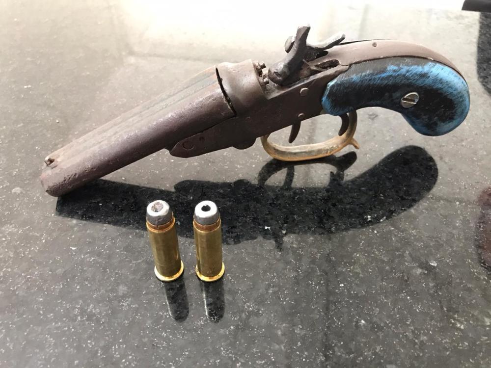 Homem de 22 anos é preso por porte ilegal de arma de fogo em Muricilândia
