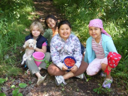 Aurora O'Neal berry picking with her Alaskan classmates. Photo by Joan O'Neal