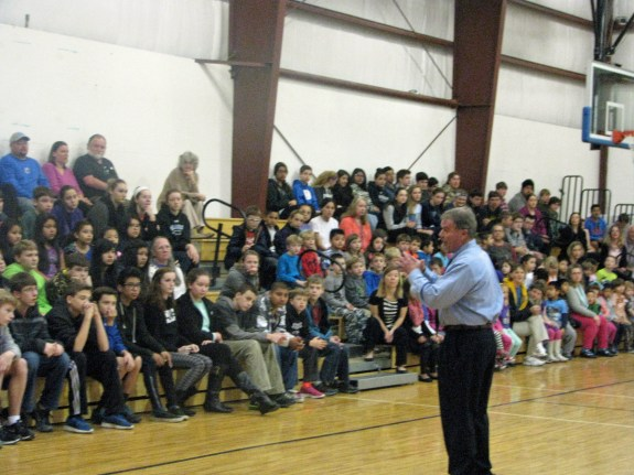 Walt Padgett addresses the students 2015-02-09 09.30
