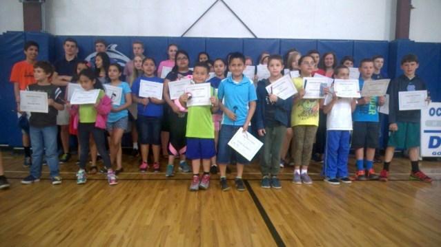Estudiantes Ocracoke escolares que reciben todos los A y B. Photo by P. Vankevich
