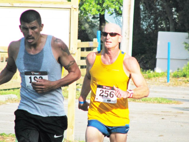 Chito Guerrero and Keith Gray, neck and neck. Photo by P. Vankevich