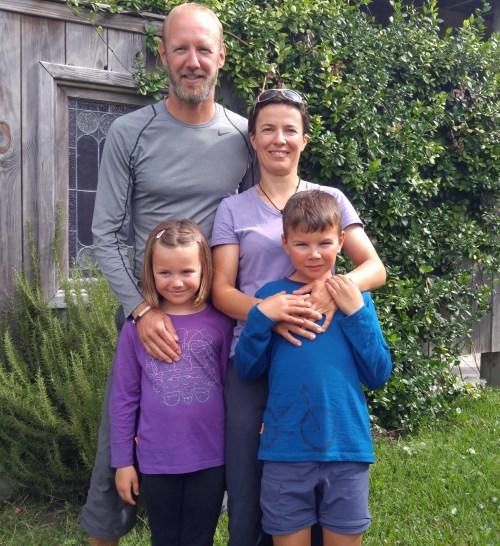 Thomas et Sylvaine avec leurs enfants Elsa et Théo. Photo par P. Vankevich