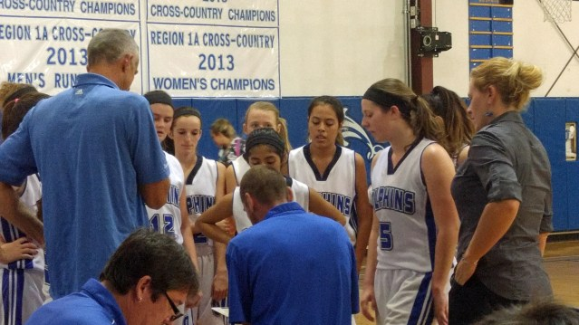 Lady Dolphins huddle PS 2015-12-01 17.47.38