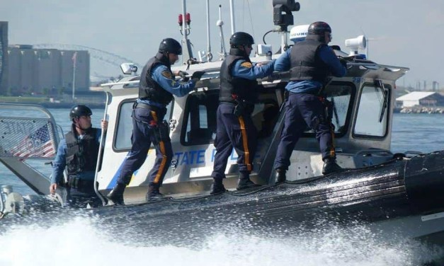 Barnegat Bay: NJSP Marine Police Make a Rescue!