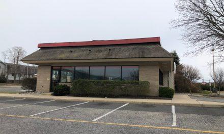 TR: Burger King- Signs Coming Down