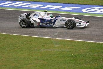 World © Octane Photographic Ltd. Italian GP, Monza, Formula 1 Practice 1. Friday 12th September 2008. Robert Kubica, BMW Sauber F1 Team F1.08. Digital Ref : 0842cb401d0027
