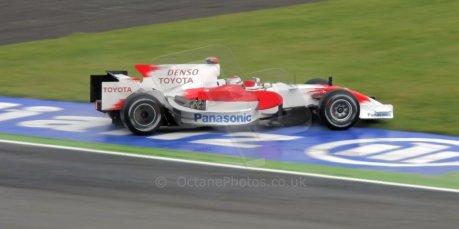 World © Octane Photographic Ltd. Italian GP, Monza, Formula 1 Practice 1. Friday 12th September 2008. Jarno Trulli, Panasonic Toyota Racing RA108. Digital Ref : 0842cb401d0043