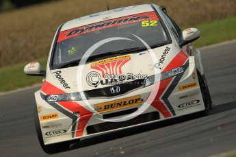 © Octane Photographic Ltd. 2011. British Touring Car Championship – Snetterton 300. Gordon Shedden - Honda Civic - Honda Racing Team. Sunday 7th August 2011. Digital Ref : 0124CB1D4298