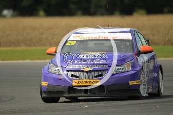 © Octane Photographic Ltd. 2011. British Touring Car Championship – Snetterton 300. Sunday 7th August 2011. Digital Ref : 0124CB1D4314