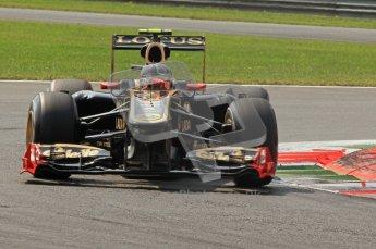 © Octane Photographic Ltd. 2011. Formula 1 World Championship – Italy – Monza – 11th September 2011 Vitaly Petrov, Renault R31 – Race outlap– Digital Ref : 0177CB7D7669