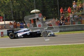© Octane Photographic Ltd. 2011. Formula 1 World Championship – Italy – Monza – 11th September 2011 Pastor Maldonado glows his Wiliams FW33's brakes into the 1st chicane– Race – Digital Ref : 0177CB7D8087