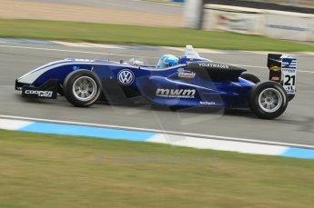 © Octane Photographic 2011 – Formula 3. Race 1. 24th September 2011. Digital Ref : 0184lw1d5922